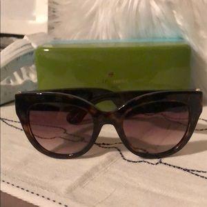 Tortoise Kate Spade Sunglasses ♠️
